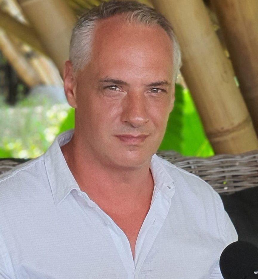 Julien Uhlig Taping for EX Venture